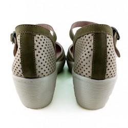Zapato cuña tipo cangrejera.
